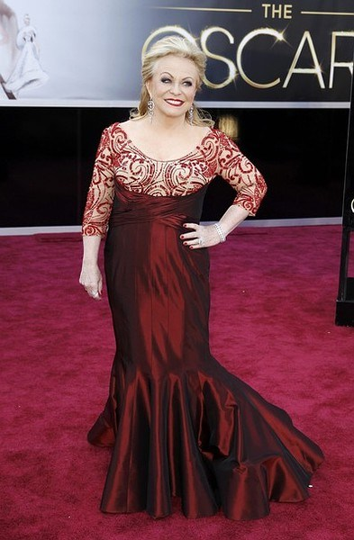 "Jacki Weaver, best supporting actress nominee for her role in ""Silver Linings Playbook"", arrives at the 85th Academy Awards in Hollywood"